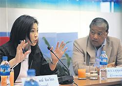 Yingluck e Gov Bkk