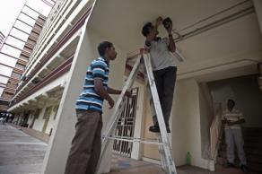 La polizia installa le nuove telecamere condominiali