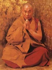 Il Dalai lama in meditazione