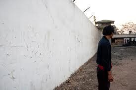 Il muro attorno a Somsanga