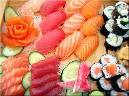 Varietà di pesce crudo stile giapponese