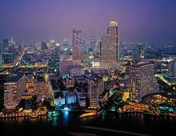 Una vista notturna di Bangkok