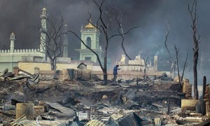 Una delle 12 (su 13) moschee di Meikhtila incendiate