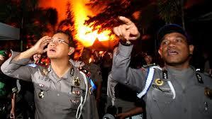 La prigione di Medan in fiamme
