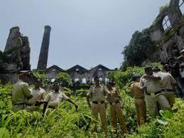 La fabbrica dismessa dov'è avvonuto lo stupro (foto PTI)
