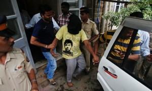 Uno degli stupratori di Mumbai (foto AFP/Punit Paranjpe)