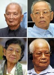 Dall'alto i senso orario Nuon Chea, Ieng Sary, Khieu Samphan, Ieng Thirith