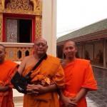 Suthep Thaugsuban appena ordinato monaco novizio