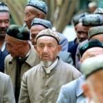 Anziani uighuri dello Xinjiang cinese