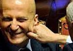 """Il """"buffetto"""" ad Augusto Minzoilini dopo il salvataggio del suo posto in Senato nonostante la condanna per le note spese quando era direttore del Tg1"""