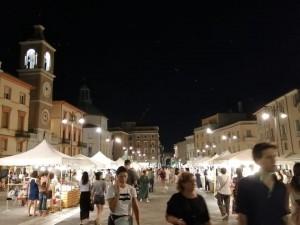 Hand Market in piazza Tre Martiri a Rimini - Foto tratta da Fb