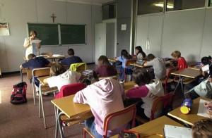 SCUOLA MEDIA PRIMO GIORNO STUDENTI PROFESSORI SCUOLA MEDIA VIA DEL VOLGA