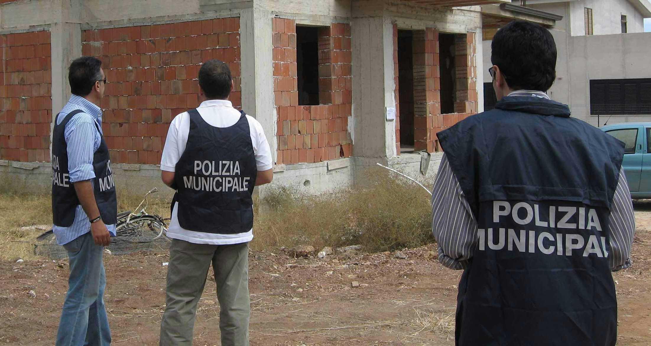 abusivismo polizia municipale