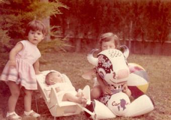 Patrizia Pozzi con le sue sorelle
