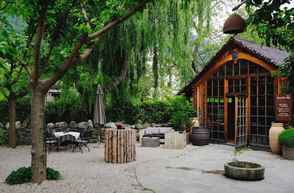 5) L'ingresso alla tenuta Kraenzelhof e a I Sette Giardini a Cermes (Bz)