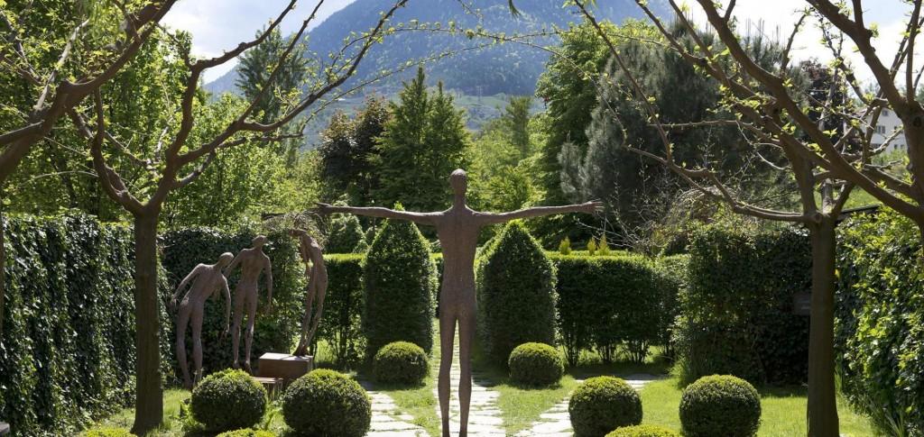 7) Uno scorcio de I Sette Giardini della tenuta Kraenzelhof a Cermes (Bz)