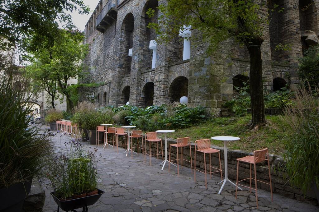 _Green Design Bergamo, il lavatoio con arredi Pedrali