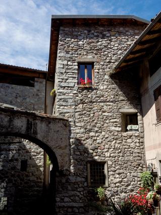 _Borgo di Bienno (Bs), Val Camonica (foto di Luca Merisio)