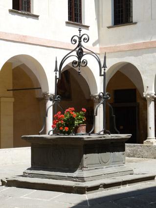 Convento dei frati dell'Annunciata, Rovato, chiostro (foto Marini)