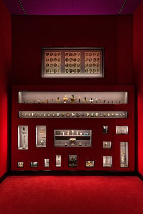 KHM, piccoli oggetti di ogni epoca scelti da Wes Anderson & amp; Juman Malouf