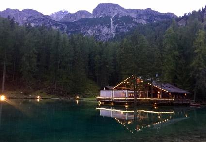 Lago Ghedina, Cortina, chalet con quattro camere e ristorante
