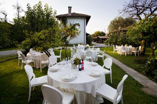 Pranzo all'aperto in Cascina Caremma