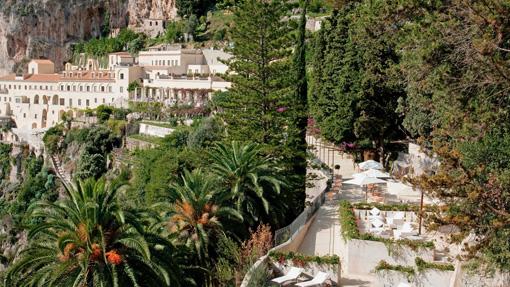 La terrazzata Passeggiata del Monaco del Grand hotel Convento di Amalfi
