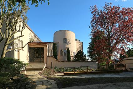 2)Villa Cerruti sulla collina di Rivoli, Torino.
