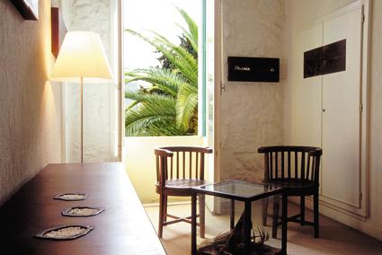 Hotel WindsoR, camera permanente firmata da Henri Olivier