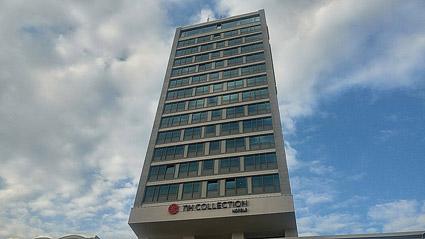 Lo storico grattacielo oggi dell'NH Collection Mu?nchen Bavaria