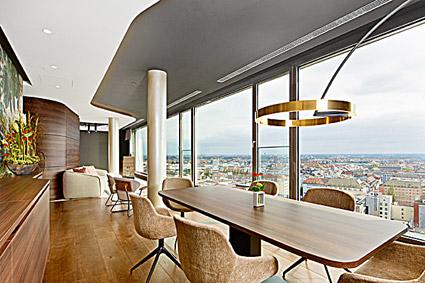 NH Collection Mu?nchen Bavaria, l'Alpenblick del 16° piano