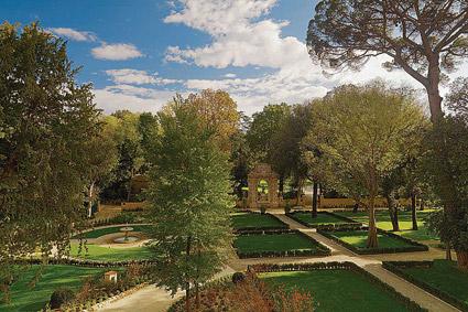 Four Seasons hotel Firenze, il Giardino della Gherardesca in primavera