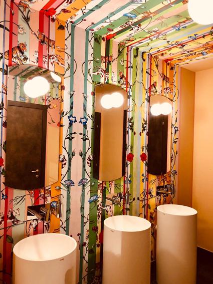 Omama social hotel Aosta, le toilettes