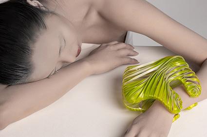 Da Preziosa Young 2020, Smelling Memories, bijou di Chia-Hsien Lin, in ottone argentato con base di sapone, gelatina e olii essenziali profumati
