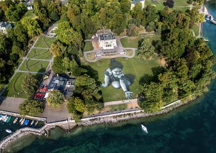 Saype, Message from future, 2018, lago Lemano di Ginevra, 5.000 mq