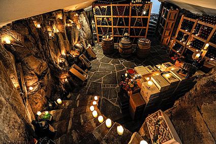 Romantik hotel Turm, la cantina tra le rocce dell'albergo