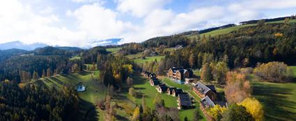 Una visione dall'alto dell'Adler Lodge Ritten, sull'altipiano del Renon