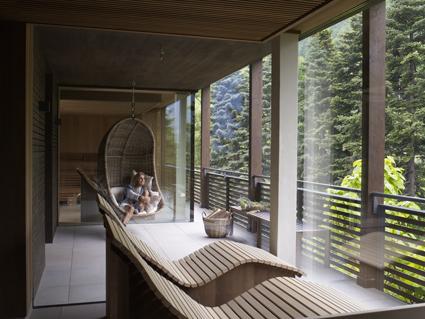 Giardino Marling, sauna verso il bosco e relaxing area