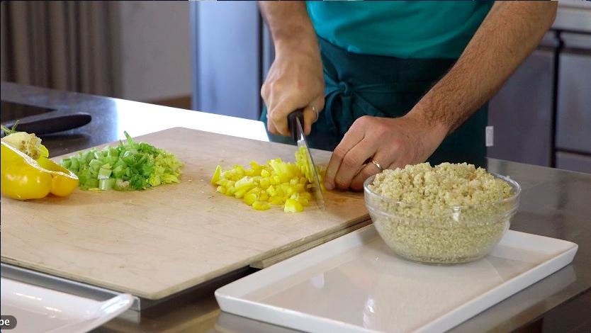 insalata quinoa_tagliare verdure