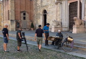 Backstage_docufilm,_troupe_in_piazza_Duomo_2018