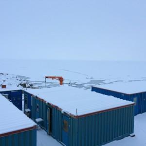 Giorno 65 - nevicata sul molo davanti al pack