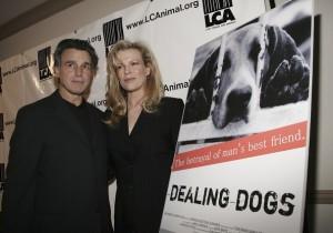 """Chris DeRose con Kim Basinger alla prima di """"Dealing Dogs"""""""