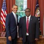 Omar Sharmarke riceve le credenziali quale Ambasciatore somalo a Washington da Obama
