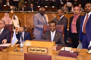 Il Ministro degli esteri somalo Ahmed Isse Awad durante la seduta di insediamento alla presidenza della Lega Araba