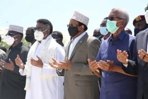 Farmajo ai funerali di Ali Mahdi con giubbotto antiproiettile