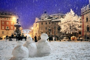 Piazza Duomo in una Trento innevata. Fototeca Trentino Sviluppo S.p.A.