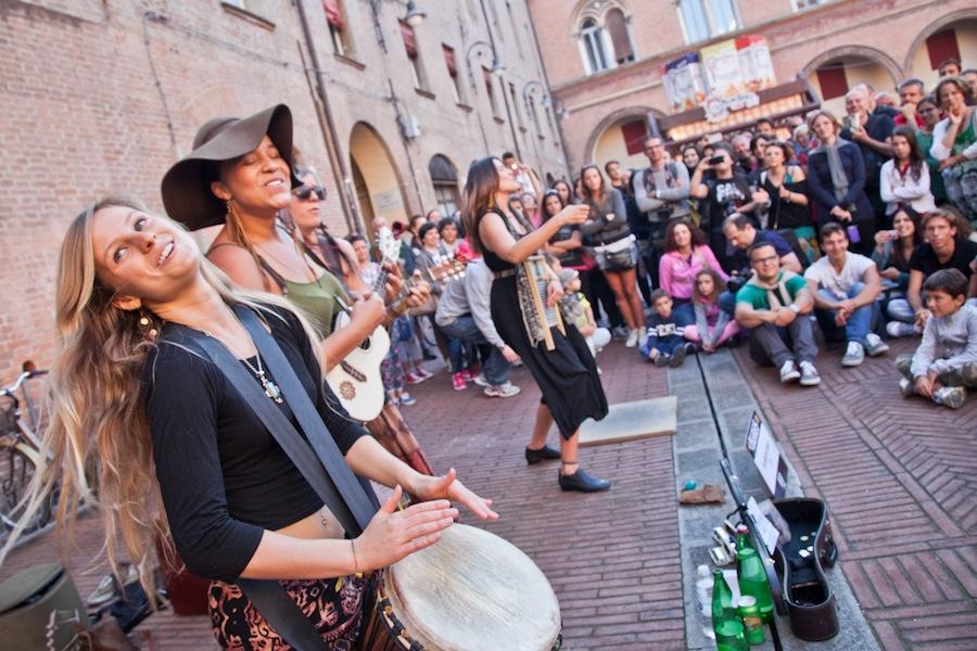 Ferrara Buskers Festival - Artisti di strada performance