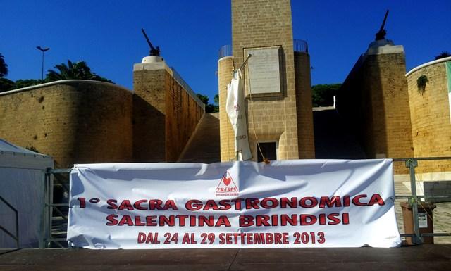 Manifesto sagra ai piedi del Monumento al marinaio, Brindisi 24 settembre 2013