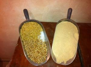 Orzo e ceci tostati diventano farinella