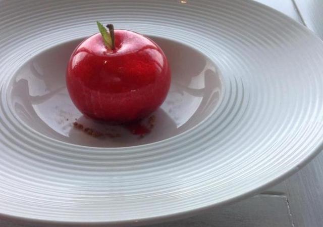 La mela di Felice Lo Basso e Beppe Allegretta